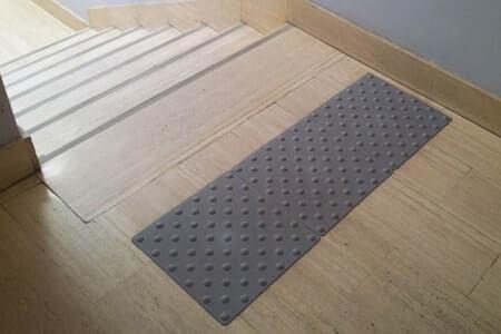 9 r gles respecter pour viter les chutes dans les. Black Bedroom Furniture Sets. Home Design Ideas
