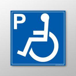 Panneau signalétique de parking indiquant les emplacements réservés