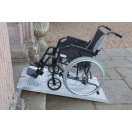 rampe d acc s pmr pour accessibilit handicap handinorme. Black Bedroom Furniture Sets. Home Design Ideas