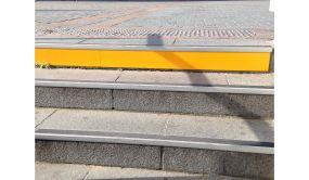 Repérage de contre-marche en aluminium coloré
