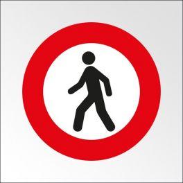 """Panneau de circulation """"Accès interdit aux piétons"""""""