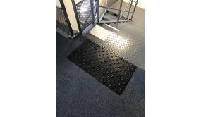 Dalles podotactiles en caoutchouc 1.5 - 420 x 800 mm - Jaune, Noir, Gris