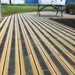 Plaque antidérapante spéciale sol en bois