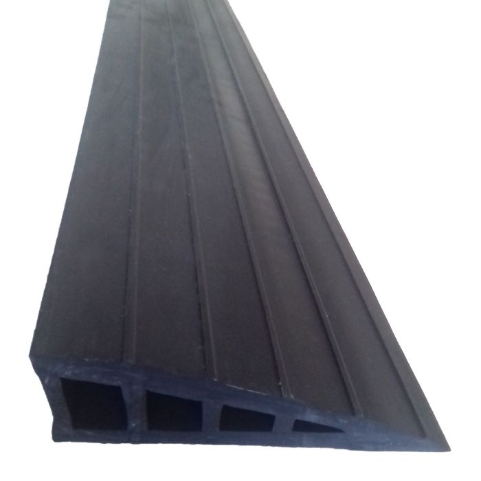 rampe de seuil adh sive en caoutchouc gumka en sebs. Black Bedroom Furniture Sets. Home Design Ideas
