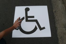 Réalisez le pictogramme de votre place de parking PMR
