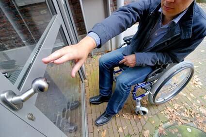 Les commerces cas pratique accessibilit handinorme - Largeur porte handicape ...