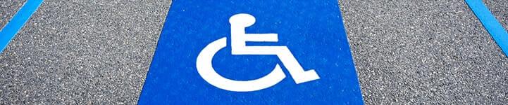 Accessibilité des parkings aux PMR et handicapé - Comment nettoyer et réparer un sol bitumé ? comment peindre une place de parking handicapée ?