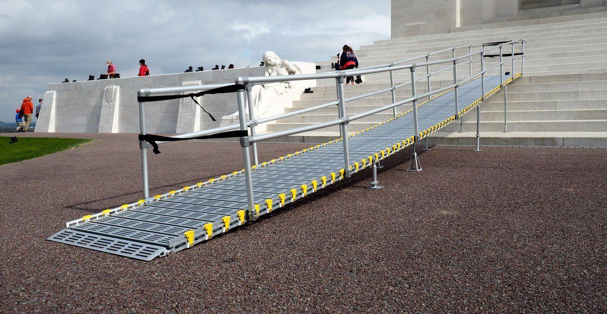 rampe d'accès PMR enroulable 15m de lont - memorial de vimy