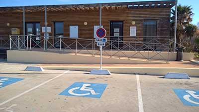 Parking Handicapé devant Maison