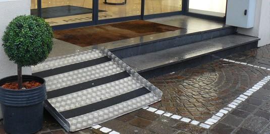 les crit res pour qu 39 une rampe ne soit pas soumise. Black Bedroom Furniture Sets. Home Design Ideas